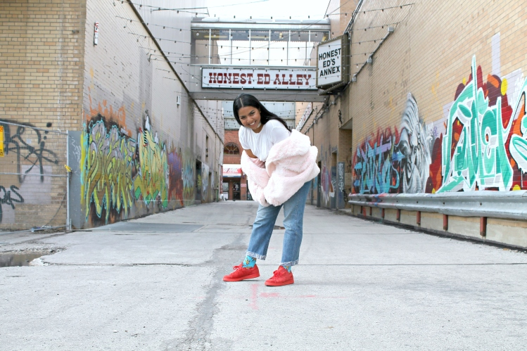 joyita-alleyway-posing-eds